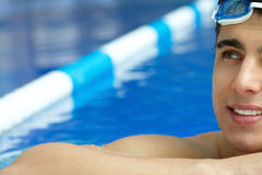 I simbassäng Fotografering för Bildbyråer