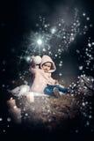 I skog med ljus Royaltyfria Bilder