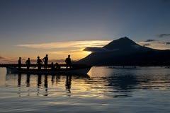I skuggan av vulkan Royaltyfri Foto