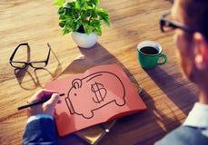 I soldi di risparmio del porcellino salvadanaio economizzano concetto di profitto Fotografia Stock Libera da Diritti