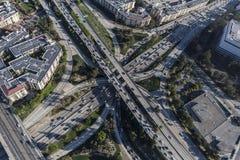 I stadens centrum antenn för utbyte för Los Angeles fyra nivåmotorväg Royaltyfria Foton