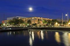 I stadens centrum byggnad för måne och Los Angeles Arkivbild