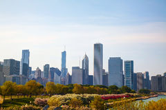 I stadens centrum Chicago, IL i morgonen Arkivbild