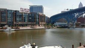 I stadens centrum Cleveland Lake sidosikt royaltyfri foto