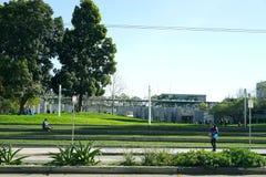 I stadens centrum grönt utrymme arkivfoton