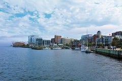 I stadens centrum Halifax längs stranden Arkivbild