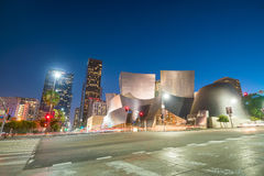 I stadens centrum Los Angeles horisont på skymning Royaltyfria Bilder