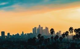 I stadens centrum Los Angeles horisont på solnedgången royaltyfri fotografi
