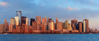 I stadens centrum Manhattan horisont Arkivbilder