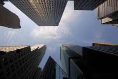 i stadens centrum manhattan skyskrapor Arkivfoto