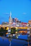 I stadens centrum Nashville cityscape i aftonen Royaltyfri Fotografi