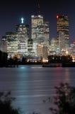 i stadens centrum natt Arkivbilder