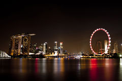 I stadens centrum nattljus av Singapore Royaltyfri Bild