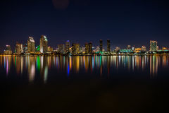 I stadens centrum San Diego horisont på natten Royaltyfri Foto