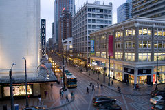 I stadens centrum Seattle i aftonen Fotografering för Bildbyråer