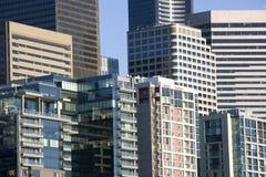 I stadens centrum Seattle kontorsbuildingss Arkivbilder