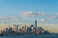 I stadens centrum sikt av Manhattan Royaltyfria Bilder