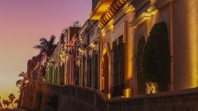I stadens centrum Sinaloa för Mazatlan natt ljus royaltyfria bilder