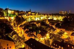 I stadens centrum skymning för Luxembourg stad Royaltyfri Bild