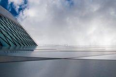 I stadens centrum skyskrapafasad arkivfoto