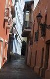 I stadens centrum tegelstengränd i i stadens centrum San Juan, PR Fotografering för Bildbyråer