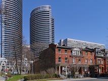 I stadens centrum Toronto har bevarat en intressant blandning av arkitektur royaltyfri fotografi