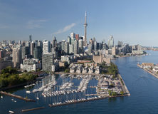 I stadens centrum Toronto som beskådas från luften Royaltyfri Fotografi