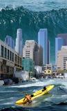 i stadens centrum tsunami Royaltyfri Bild