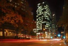 I stadens centrum Vancouver natt Fotografering för Bildbyråer