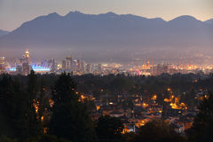 I stadens centrum Vancouver skymning Dawn Cityscape Royaltyfri Fotografi
