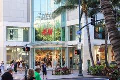 I stadens centrum Waikiki utanför den Waikiki affärsplazaen Fotografering för Bildbyråer