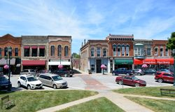 I stadens centrum Winterset Iowa Arkivfoto