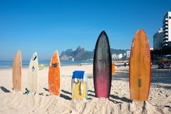 I surf sul Ipanema tirano, Rio de Janeiro, Brasile Fotografie Stock