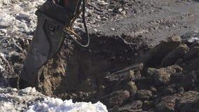 I tagli idraulici dell'interruttore congelati sporcano il video di riserva del metraggio video d archivio