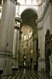 I terioren av domkyrkan av Granada 01 Royaltyfria Bilder