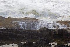 I Thors scaturiscono caratteristica della roccia dell'oceano nell'Oregon fotografia stock libera da diritti