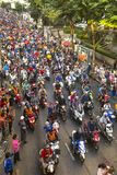 I tifosi tailandesi celebrano dopo la conquista del AFF Suzuki Cup 2014 Fotografie Stock Libere da Diritti