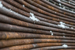 I tondini di ferro sono rimossi attraverso un arco Fotografia Stock Libera da Diritti