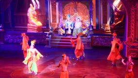 I transsessuali esegue il dancing alla manifestazione di alcazar stock footage