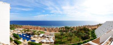 I turisti sono sulla vacanza all'hotel popolare Immagini Stock Libere da Diritti