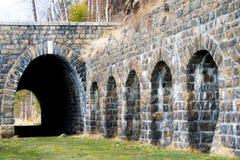 I vecchi tunnel sulla ferrovia di Baikal Fotografia Stock
