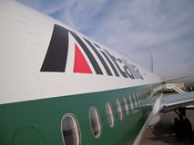 I velivoli del Alitalia si chiudono in su immagine stock
