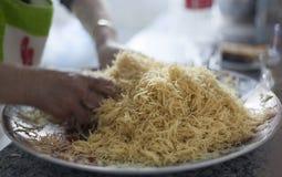 I vermicelli a casa hanno fatto l'elaborazione araba o asiatica dell'alimento immagini stock libere da diritti