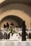 I vetri vuoti hanno impostato in ristorante Immagine Stock Libera da Diritti