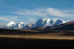 I wildernss e le montagne della neve Fotografia Stock Libera da Diritti
