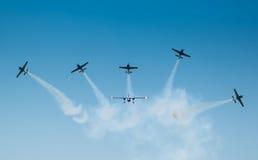 IAC-52在airshow期间的飞机 免版税库存照片