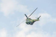 IAR-Puma elicopter Fliegen im Himmel, bremst aerobatic Stockfoto