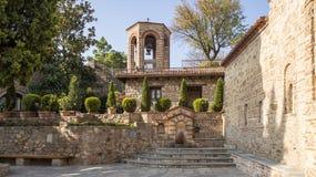 Iarda del monastero di Varlaam ai monasteri della roccia di Meteora immagini stock