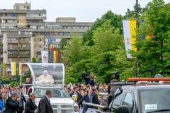 Iasi, Romênia - em maio de 2019: Papa Francisco imagens de stock