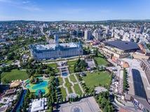 Iasi Rumänien, Juli 2017: Iasi stadsmitt och Palas galleriaaeria Arkivbilder